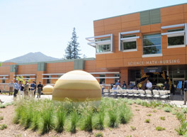Mars Curiosity Engineer Steltzner, a College of Marin Alumnus, Helps College