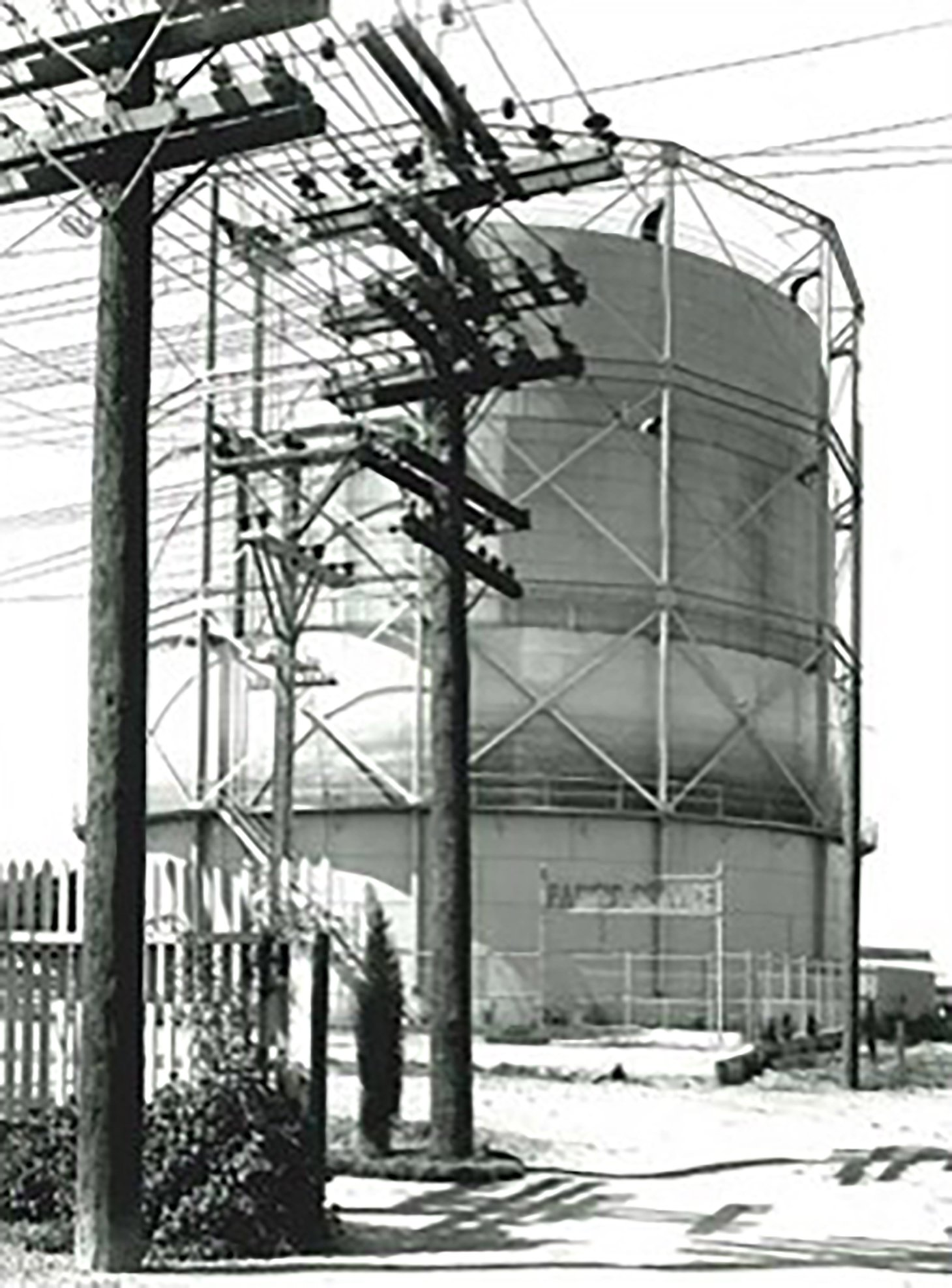 Historic Redwood City gas holder in the early 1900s.